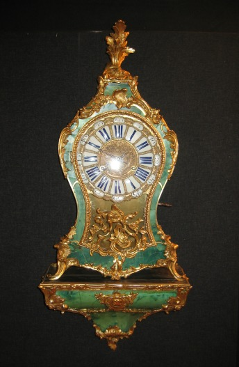 Cartel d'époque Louis XV en corne verte.