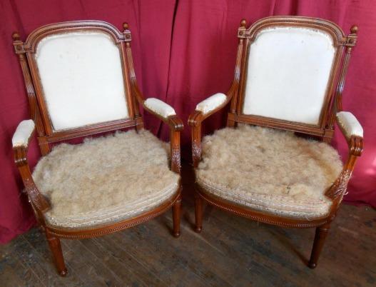 Patine sur deux fauteuils XIXème
