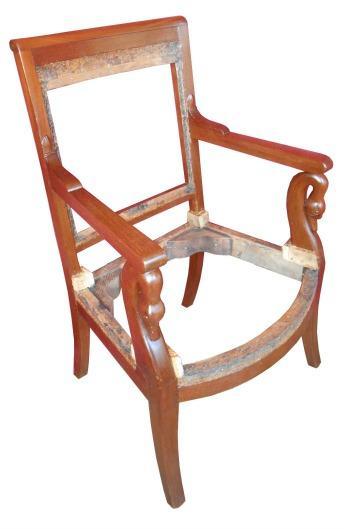 Restauration de si ges recollage et patines senlis paris for Peindre un fauteuil en bois